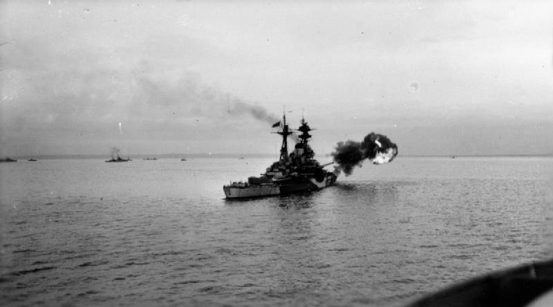 Destructor Royal Navy en Normandía