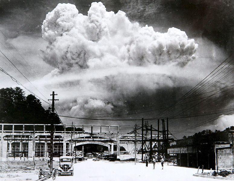 Nube atómica sobre Nagasaki
