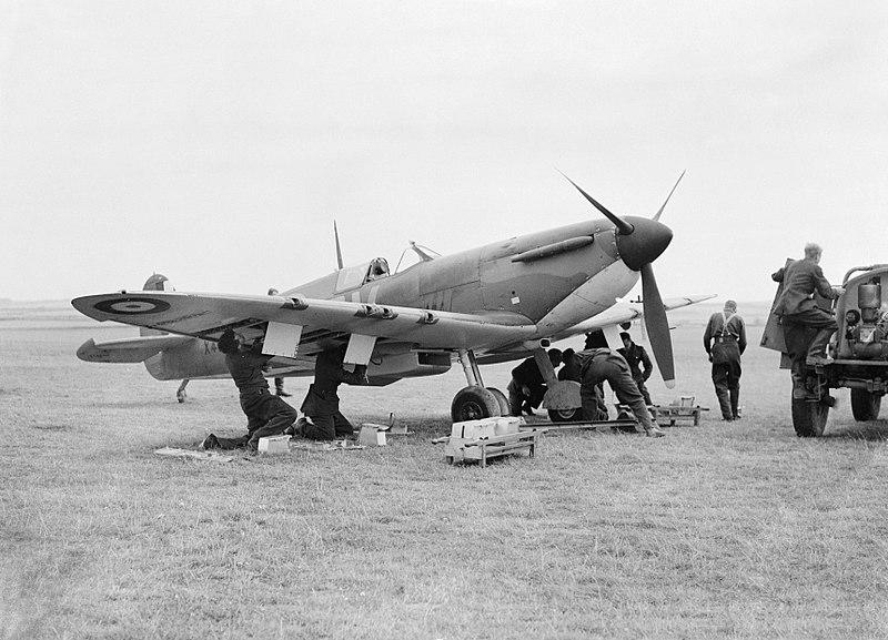 Avión Spitfire inglés batalla de Inglaterra