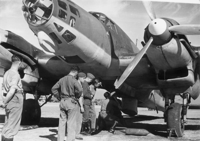 Bombardero alemán Heinkel 111 en la Guerra Civil