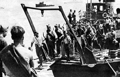 Imagen del desembarco de tropas republicanas en Mallorca durante la guerra civil española
