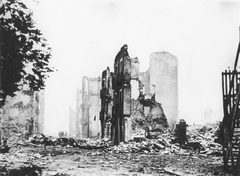 Imagen de Guernica bombardeada