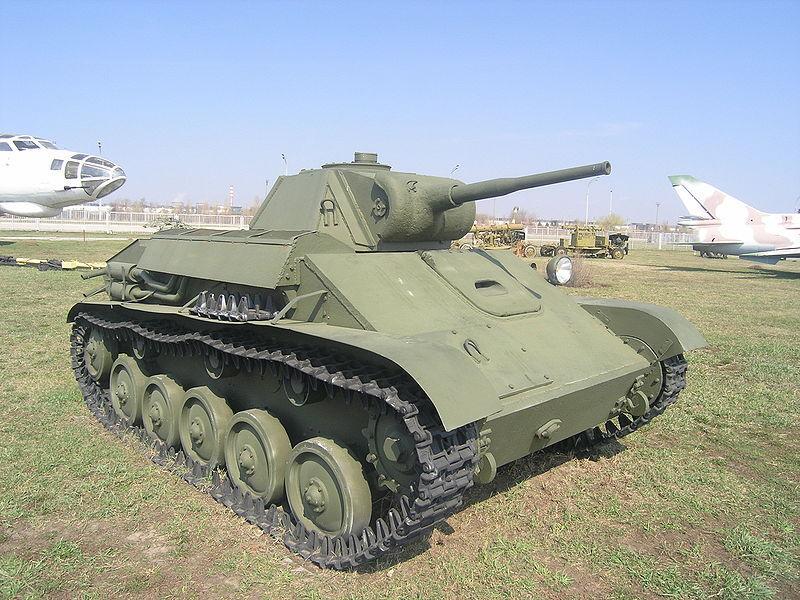 Tanque ruso T-70 de la Segunda Guerra Mundial